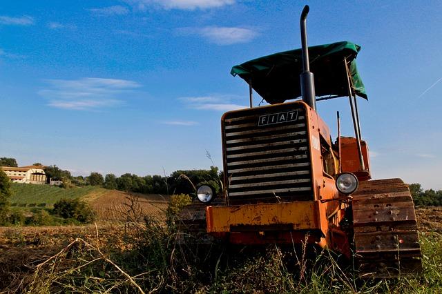 CORSO DI FORMAZIONE TEORICO/PRATICO PER OPERATORI ADDETTI ALLA CONDUZIONE DI TRATTORI AGRICOLI O FORESTALI A RUOTE E A CINGOLI (13 ORE)